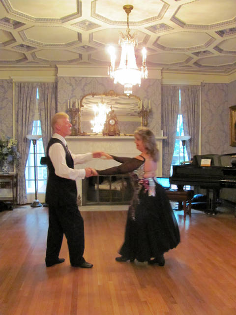 Dance instructors Ronnie and Cindy Mullins will lead the Troy-Hayner Cultural Center's ballroom dance classes.