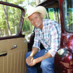 Neal McCoy to perform at mall