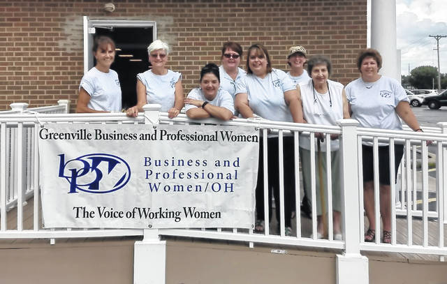 Shown are BPW members Susan Fowble, Peggy Foutz, Kasey Christian, Vicki Cost, Annette Sanders, Deb Niekamp, Betty Kosier, and Dorothy Poeppelman.