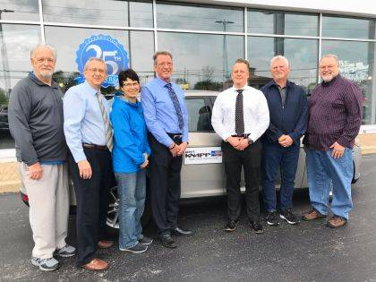 YFC Golf Committee shown with the Knapps include Mike Snyder, Dave Keiser, Jody Flommersfeld, Dave Knapp and Bryan Knapp from Dave Knapp Ford Lincoln, Inc., Pete Cutarelli, and Neal Crawford. Not pictured are Ed Ault and Gary Lloyd.