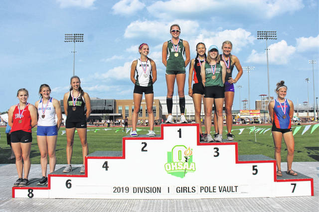 Riley Hunt wins the 2019 OHSAA Division I girls pole vault State Championship