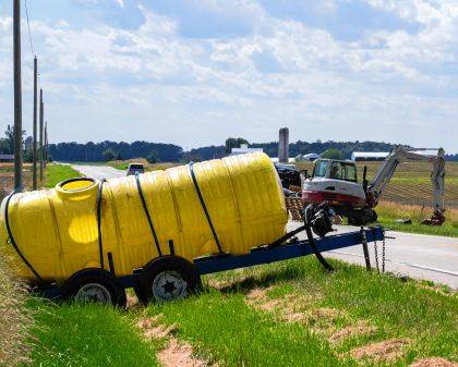 Nearly 800 gallons of fertilizer spilled due to a crash on Tuesday afternoon.