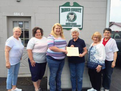 GREENVILLE – Fort GreeneVille Chapter, Daughters of the American Revolution proudly recognizes Darke County Solid Waste District for the 2019 Earth Day Conservation Award. Darke County Solid Waste District is recognized for implementing a variety of recycling and waste reduction opportunities for Darke County citizens including the Trash Bash event. Shown are Bonnie Tryon, Melissa Werling, DCSW Director Krista Fourman and Fort GreeneVille DAR members Helen Wright, Shirley Hughes and Mary Jane Dietrich.