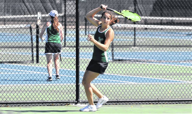 Lady Wave tennis first singles Emily Marchal.