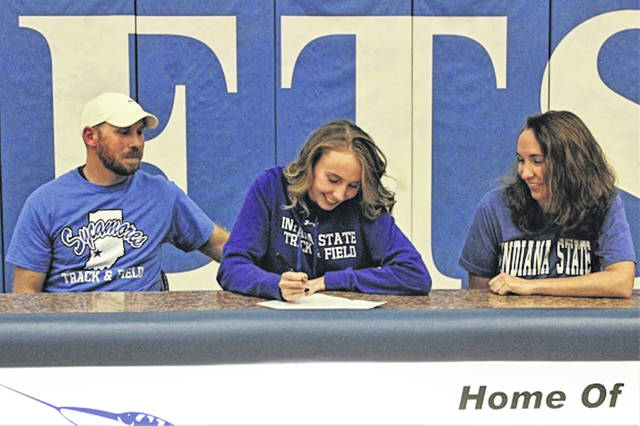 Franklin Monroe Lady Jets Selene Weaver signs to pole vault for NCAA D-I Indiana State University track and field program.