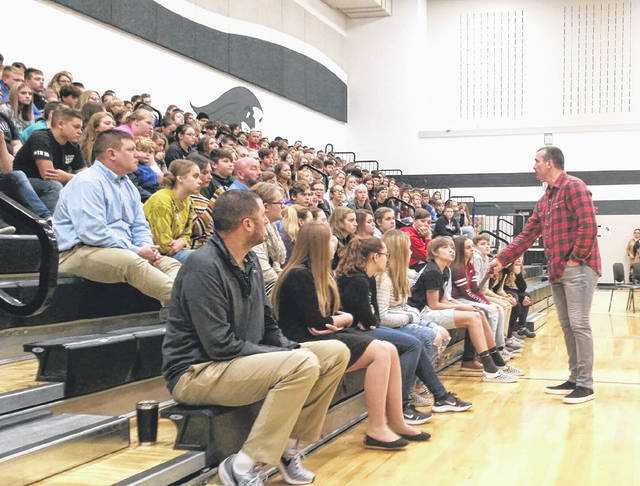 Former NBA star Chris Herron shared his story of overcoming addiction with Greenville Middle School students on Tuesday.