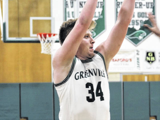 Greenville's Nolan Curtis hits three 3-pointers in the Wave's MVL win over the Butler Aviators.