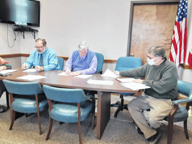 The Darke County Board of Commissioners approved a transfer of $140,000 of court funds with an eye to purchase a local business in downtown Greenville. The court wishes to turn the building into a center to conduct work-release classes and other life-building skills for ex-convicts. The board, though releasing the funds, does not express approval of the plan.