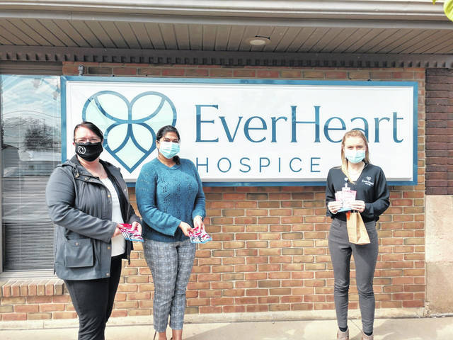 Osgood Bank recently made a donation of fuel gift cards to EverHeart Hospice to be used for patients and families in need.