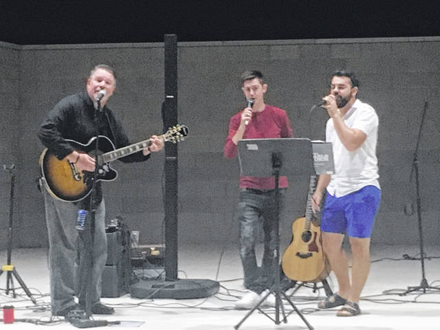 Buff Francis performed with the Demange Brothers Friday evening.