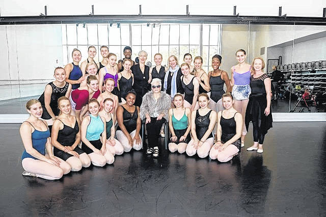 <strong>Zoe Dell Nutter met with Wright State dance majors to announce the creation of an endowed scholarship that promises to help fund the future education of Wright State dance students indefinitely.</strong> (Photo by Erin Pence)