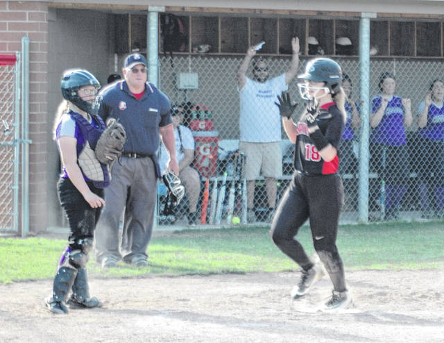 <strong>Freshman pinch runner Kyli Gainer scoring Wayne&#8217;s only run of the game against Middletown.</strong>