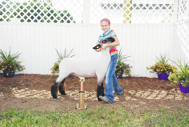 Addie DeLong, Rookie Showmanship, Junior Skillathon Winner
