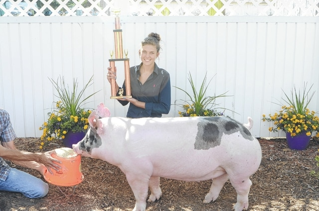 Lauralee Lenhart, Champion Performance Pig