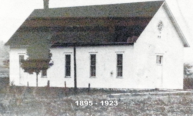 Established in 1890, Bethel Mennonite Church erected its first building in 1895.