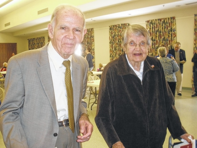Veterans Tom Rogers and Bernice Branstiter