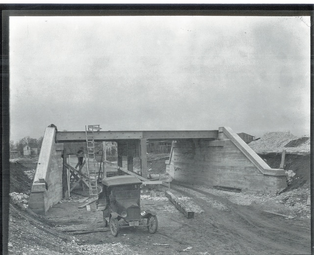 Constructing the West Light Street bridge in 1926