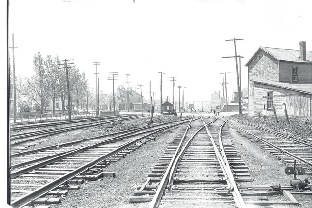 North Main Street crossing, 1920