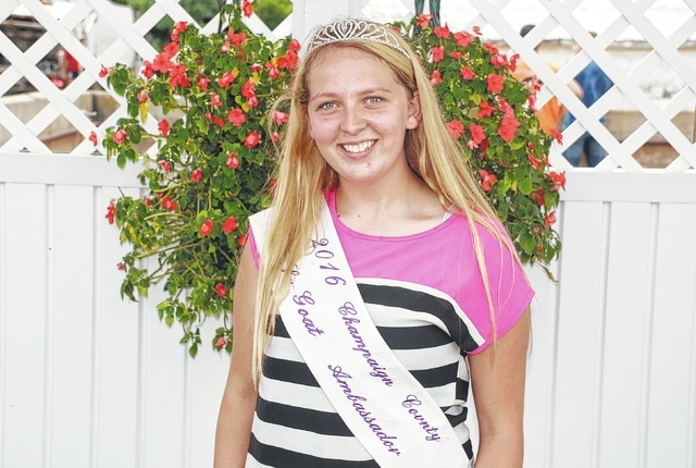 Megan Barthauer was crowned the 2016 Champaign County Junior Goat Ambassador.