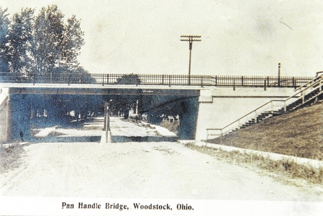 This photo of the former Pan Handle Bridge, Woodstock, was taken after 1900.