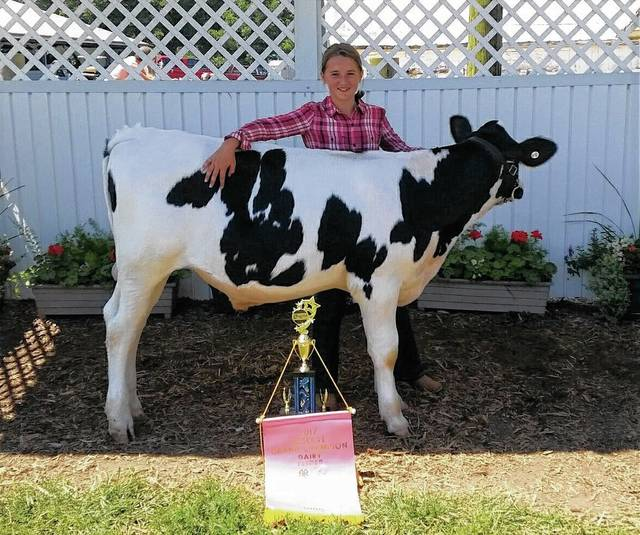 Brooke Dunn, Reserve Grand Champion Dairy Feeder