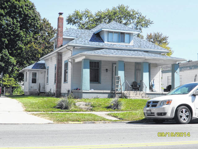 This photo from the Champaign County Auditor's website shows a structure at 861 S. Main St. in Urbana. The property's owner, Linda Rivera, has applied to rezone property at 861 S. Main St. from R-2 (Residential) to B-2 (Business) to allow the owner to operate a bed & breakfast, cafe and spa.