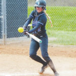 Charleston tops UU in softball