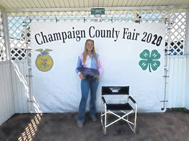 Ella Forrest, Showman of Showman, Swine and Senior Division Showmanship Champion