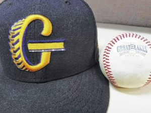 Monarchs sweep Graders in three-game stint