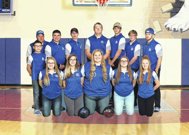 Photo courtesy of Holiday Photography The 2019-2020 edition of the Crestline Bulldogs bowling teams