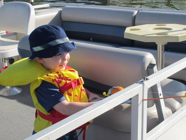 Photo courtesy Clearfork Marina and Reservoir Facebook page Make life jackets a must. Make sure all kids wear life jackets in and around natural bodies of water, such as lakes, rivers, and ponds, even if they know how to swim. Ohio law requires children under the age of 10 to wear a Personal Flotation Device at all times on boats under 18 feet long, however, older children will be safest when they wear PFDs too.