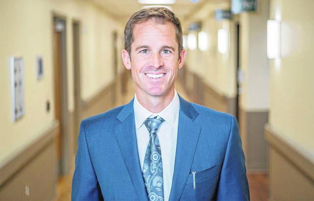 Dr. Scott Foster, MD, is offering outpatient total hip and knee replacement surgery at Avita Ontario Hospital.