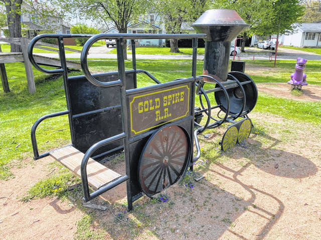 The Galion Kiwanis and Crestline Community Development Team are spearheading beautification and clean-up activities in both communities on Saturday. Volunteers are scheduled to clean up the Public Square in Uptowne Galion and both Hamilton Park and Kelly Park in Crestline.