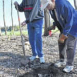 Community lends hand on Earth Day