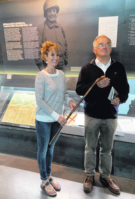 In a ceremony at the Musée du Débarquementon, Delaware resident Beth Rieman handed over the cane in a section of the museum honoring Roosevelt.