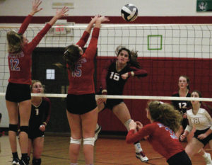 Strong finish lifts Eagles past Rockets