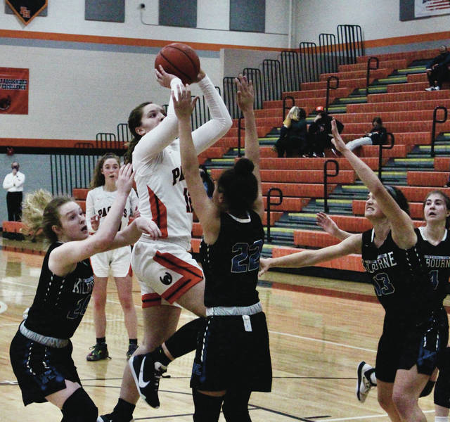 Delaware Hayes' Chloe Jeffers pulls up for a shot in traffic during the second half of Friday's season opener against visiting Worthington Kilbourne.