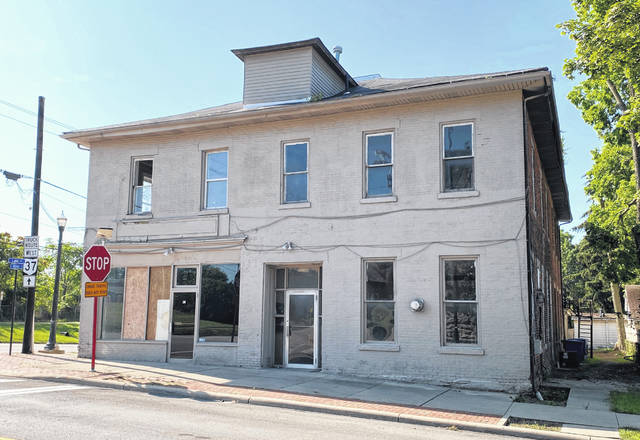 Plans to renovate the building located at 184 E. Winter St. in Delaware were presented Wednesday to the Delaware Historic Preservation Commission.