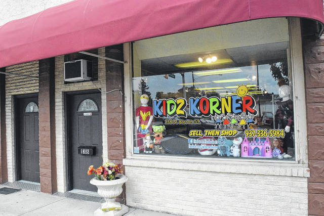 Kidz Korner, located at 138 North Barron Street in Eaton, is selling all of its clothing for $1. The shop specializes in consignment kids and baby clothes, targeted at rapidly-growing youth and the families who would benefit from cheap clothing.