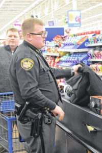 Cops provide Christmas for local kids