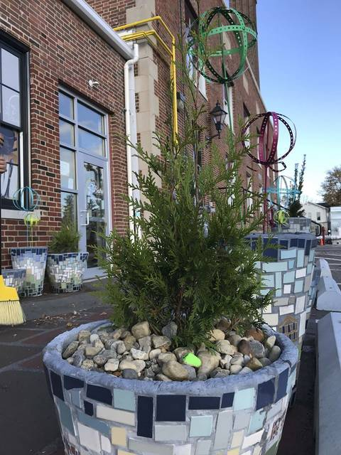 The expansive project at Eagles Point was supported by Home is the Foundation (HIT) and by Ohio Capitol Improvement Corporation. This project included three elements; a mosaic outdoor space and pocket garden at the Bistro at Eagles Point, an expansive art, community, food, activity mural, and art at Eagles Point Residences.