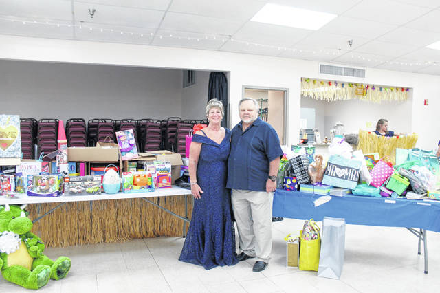 Lewisburg natives Willy Barnett and Pat Rike recently got married and donated all their gifts to Dayton Children's Hospital for the children there.