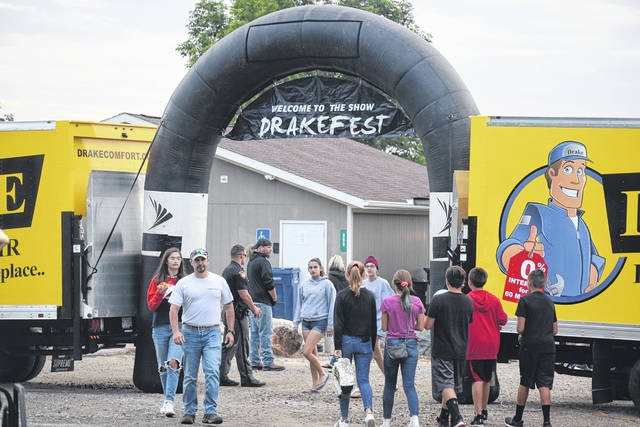 DrakeFest was held on Saturday, Aug. 31 at Lake Lakengren Marina, celebrating the end of summer. The show featured live music by Tun It Up: the Lynyrd Skynyrd Experience and a laser light show with a fireworks display. The festival is presented annually by Drake Heating & Air.