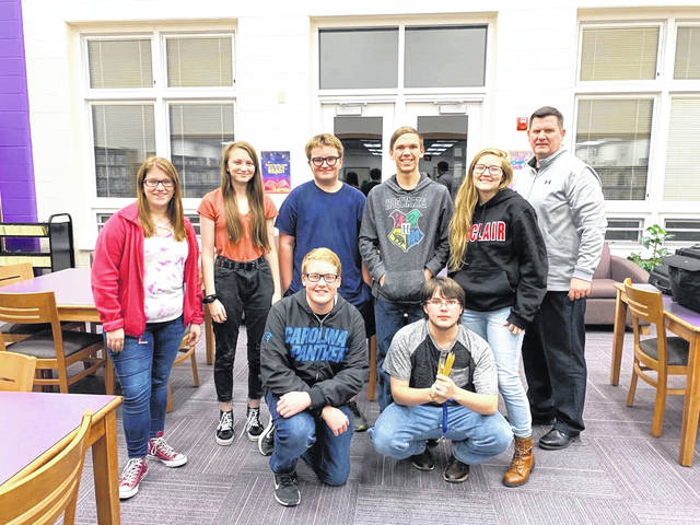 The Eaton High School Quiz Team has had a great season so far. The team is competing in Darke/ Preble Counties. The students have won several matches and are preparing for the SWBL matches in 2020. The Quiz Team is coached by Mr. Hemmert and led by Senior Captain Austin Pugh.