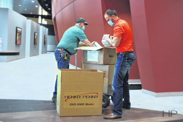 Henny Penny has donated 10,000 KN-95 face masks to local healthcare and government organizations on the frontlines of the COVID-19 pandemic.