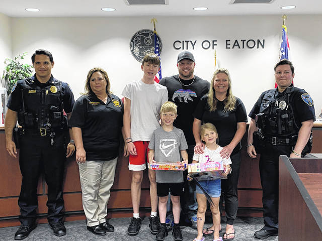 During the Monday, June 21 meeting of the Eaton City Council, Eaton Police Division Chief Steve Hurd, PCSO dispatcher Liz Evans and EPD Officer Vanessa Eley met with the family of Heather Jones, whose two youngest children saved her life with a 911 call.