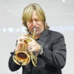 Jazz musician talks bullying with students