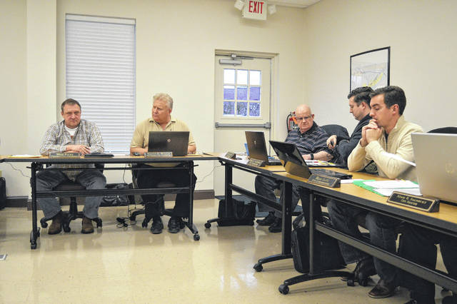 Gallipolis City Commissioners discuss city water ordinances during a Tuesday meeting.