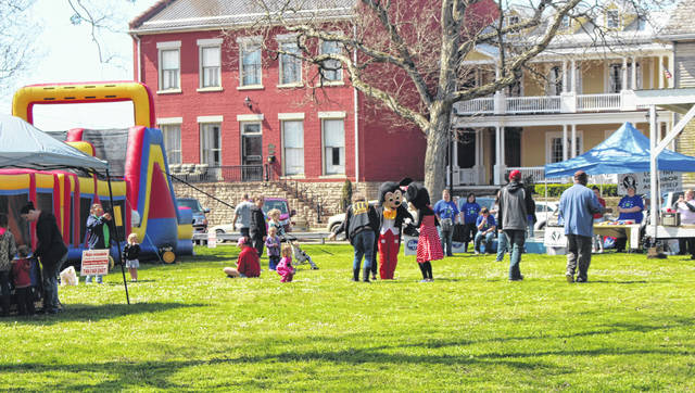 The Carnival of Hope joined community members together Saturday in Gallipolis City Park as the Gallia Citizens for Prevention and Recovery encouraged fun over substance abuse. Roughly 500 individuals were present for the event according to prize ticket counts and food distribution. Free hotdogs were had, door prizes and bikes were given away to children all in the spirit of community togetherness and fighting against the opioid epidemic.