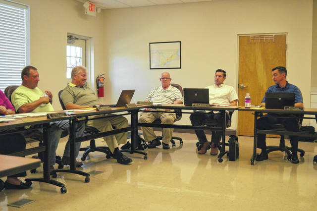 Gallipolis City Commission holds its regular meetings the first Tuesday of the month at 6 p.m. at 333 Third Avenue in the Gallipolis Municipal Building. The meeting room can be accessed from 2 1/2 Alley.